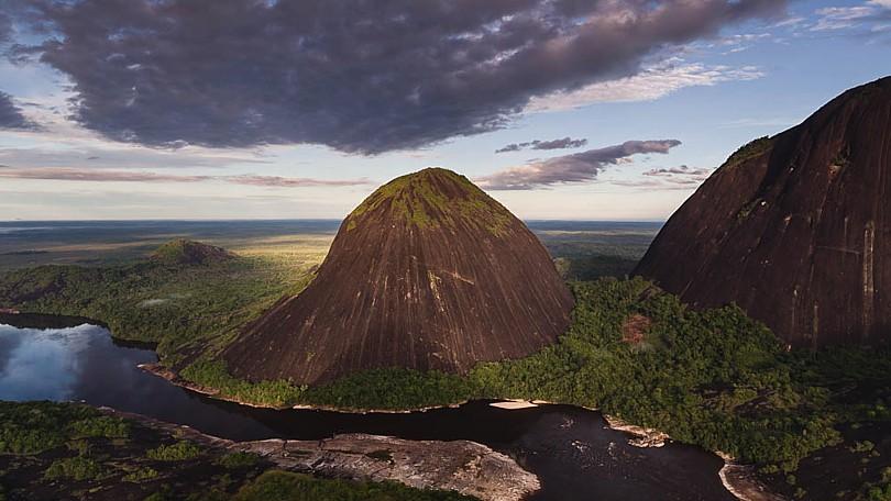 Cerros de Mavecure