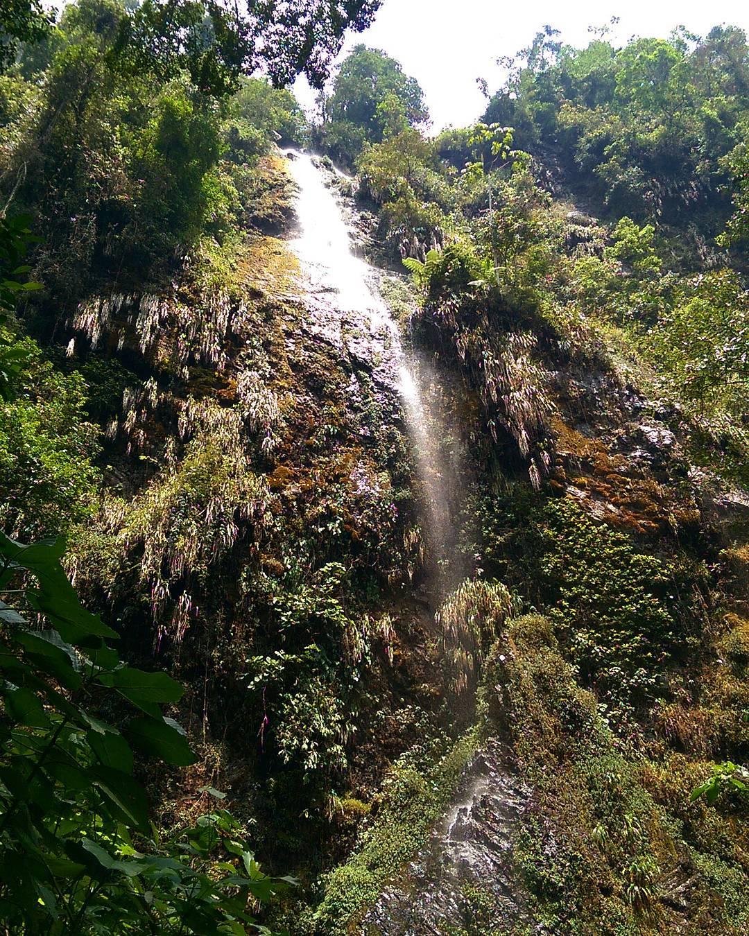 Destinos desde Cali- Cascada La Esmeralda. Foto: picbon.us