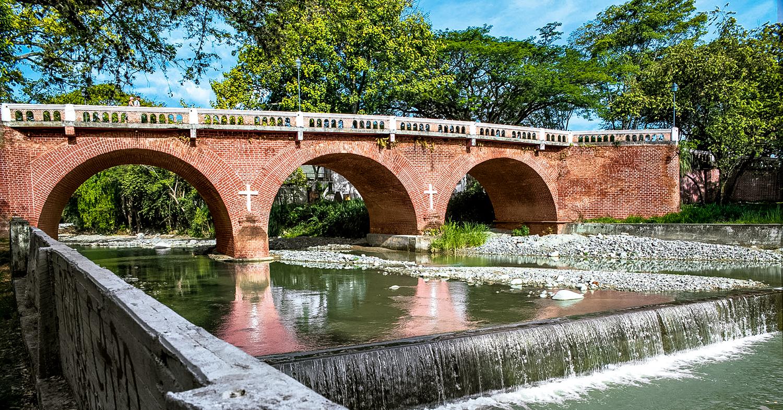 Puente del Río Guadalajara. Foto: Buga travel