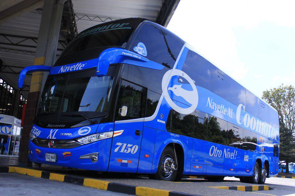 Bus de la empresa Coomotor