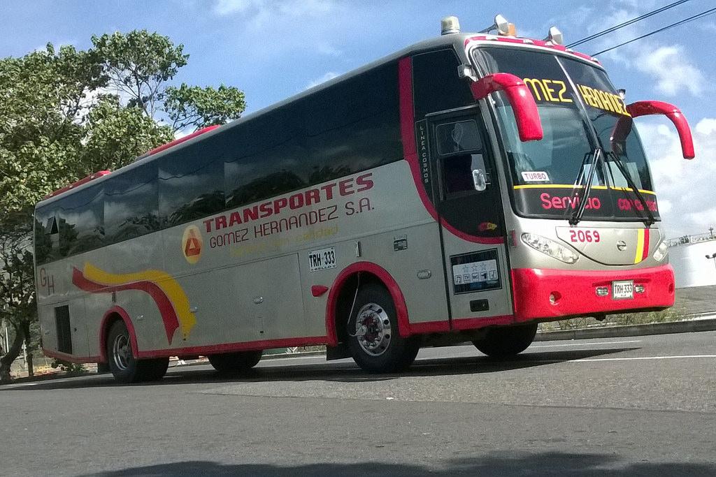 Bus de Transportes Gómez Hernández